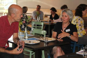 Ed Bijman en Elsje Goudzwaard praten nog wat na